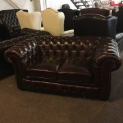 WINCHESTER CHESTERFIELD CLEARANCE ITEM IN WASHED OFF BURGANDY LEATHER